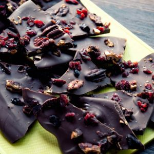 paleo halloween chocolate bark recipe