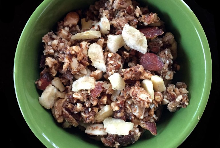 Paleo grain free maple walnut banan nutola
