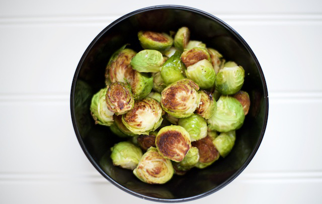 paleo oven roasted brussel sprouts