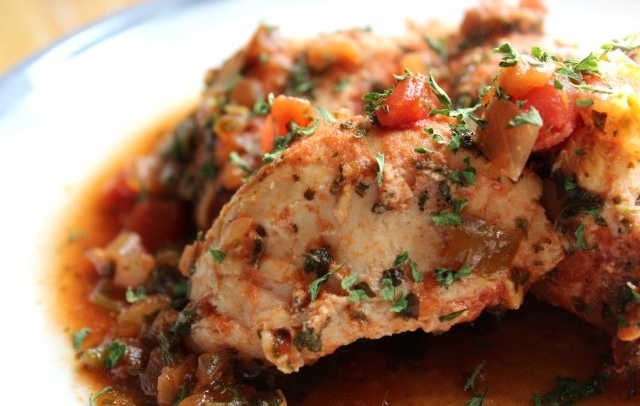 Paleo slow cooker salsa chicken